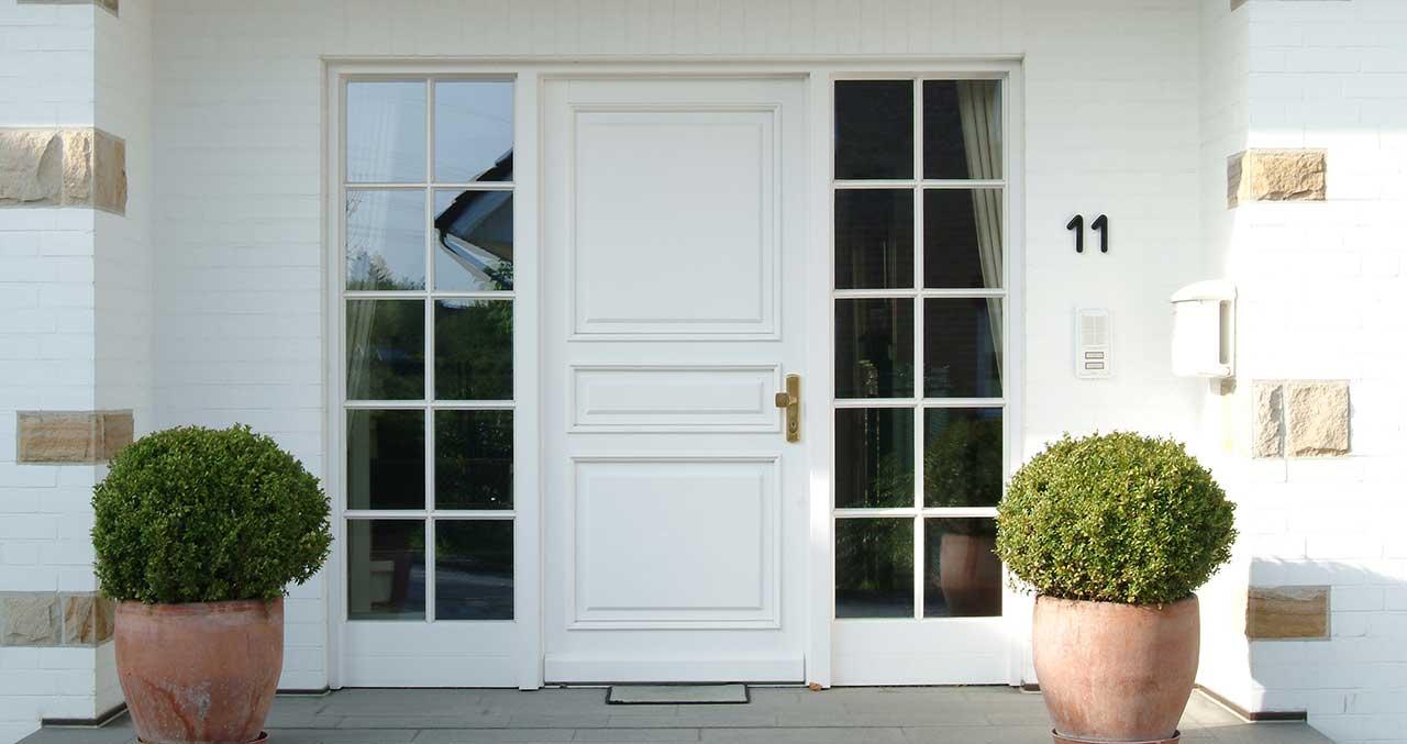 Deuren, houten deur, voordeur, voordeuren, mogelijkheden met voor deuren, soorten deuren, diverse deuren,